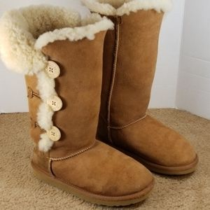 UGG Bailey buttons boots